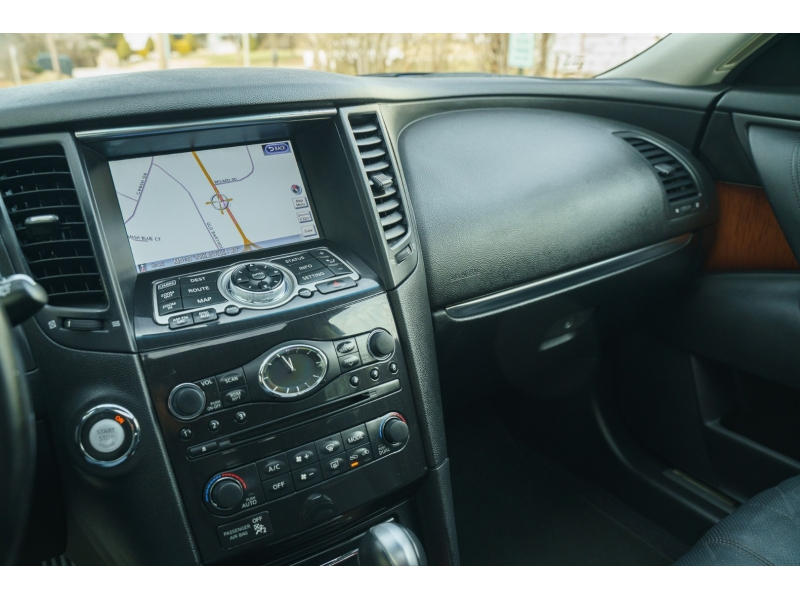 Infiniti FX37 2013 price $16,990