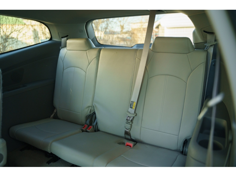 Chevrolet Traverse 2015 price $12,870