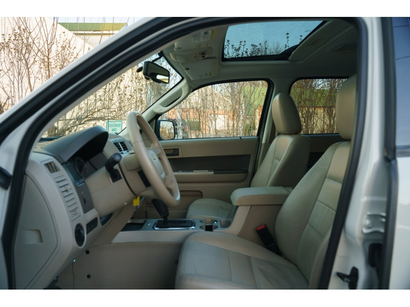 Ford Escape 2009 price $7,440