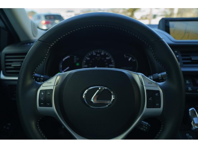 Lexus CT 200h 2012 price $10,990