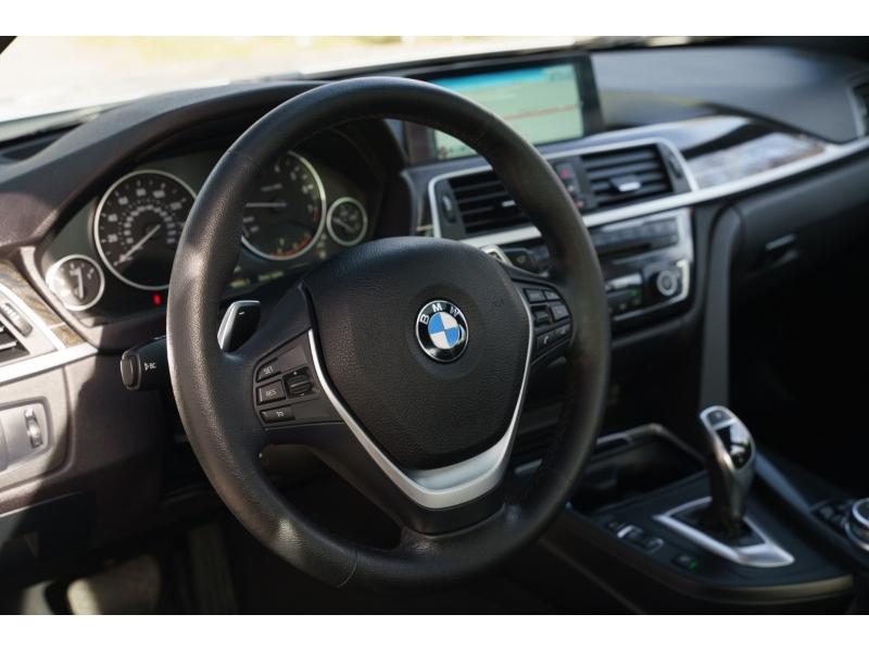 BMW 3-Series 2016 price $21,990