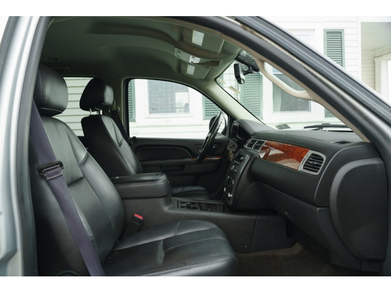GMC Yukon 2014 price $17,990