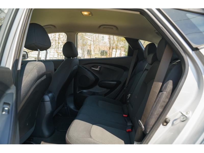 Hyundai Tucson 2011 price $7,740