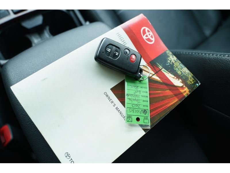 Toyota Highlander 2013 price $17,990