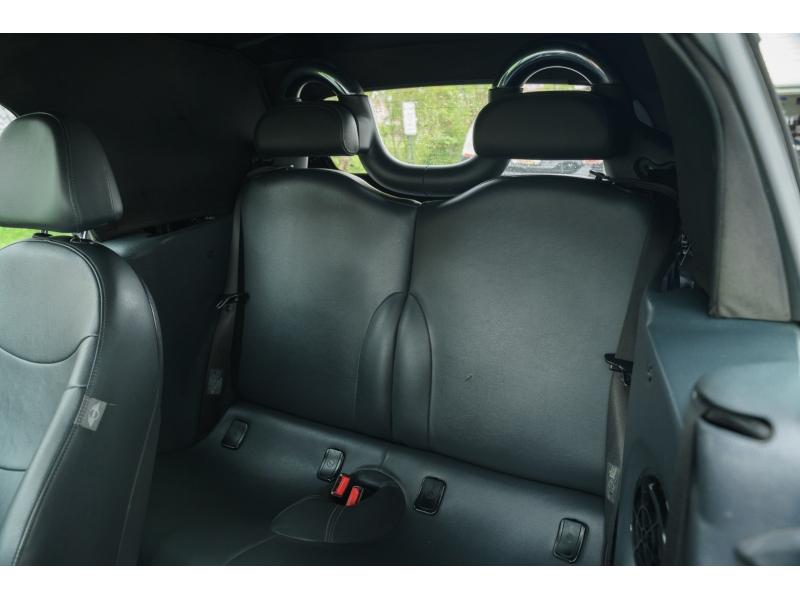 Mini Cooper Convertible 2006 price $6,990