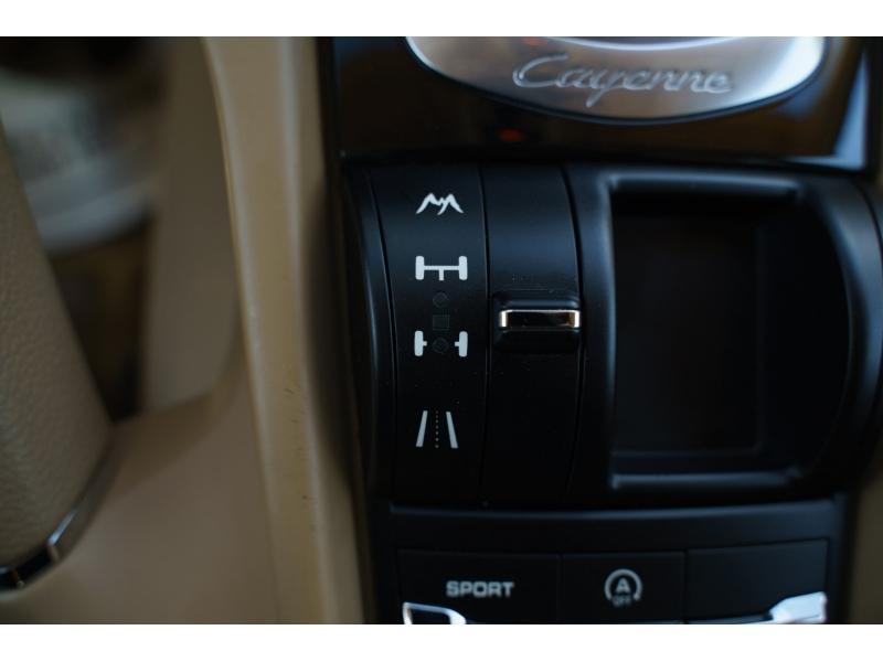 Porsche Cayenne 2011 price $20,770
