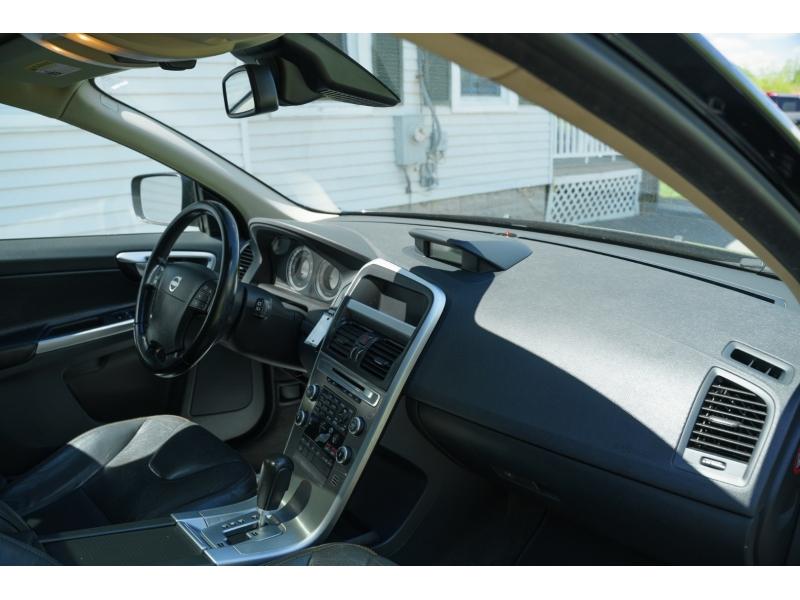 Volvo XC 60 2010 price $12,780