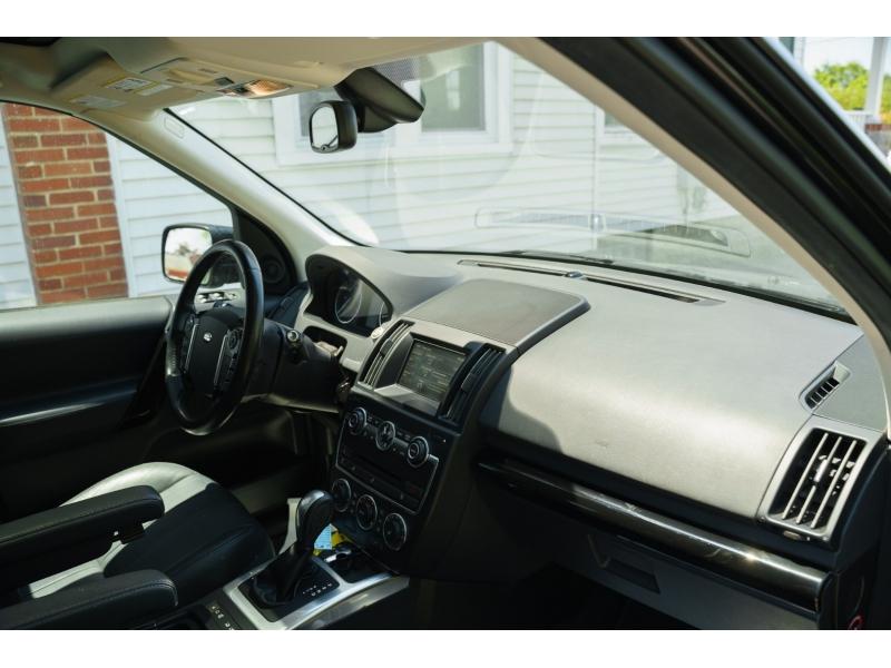 Land Rover LR 2 2015 price $14,490