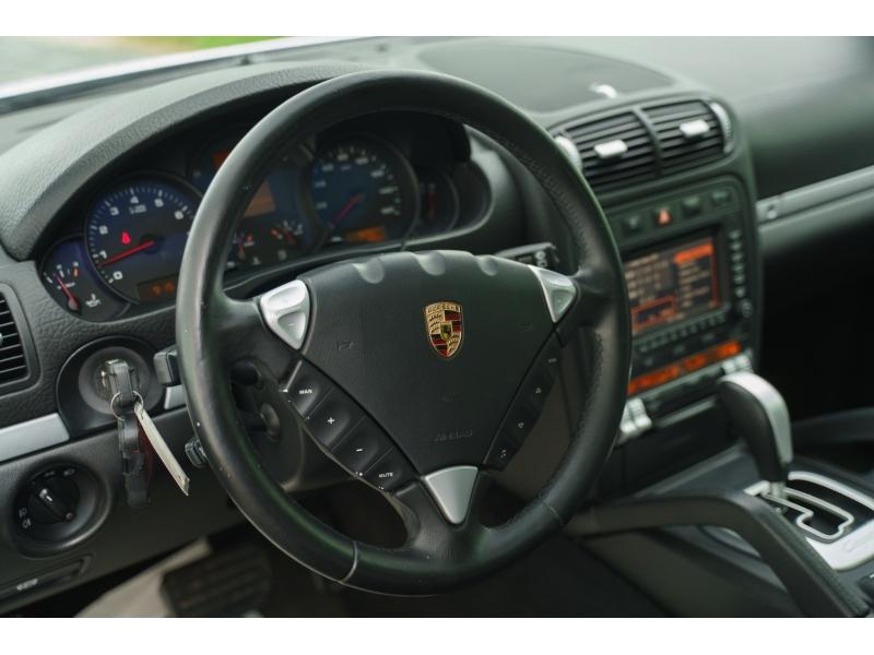 Porsche Cayenne 2005 price $8,990