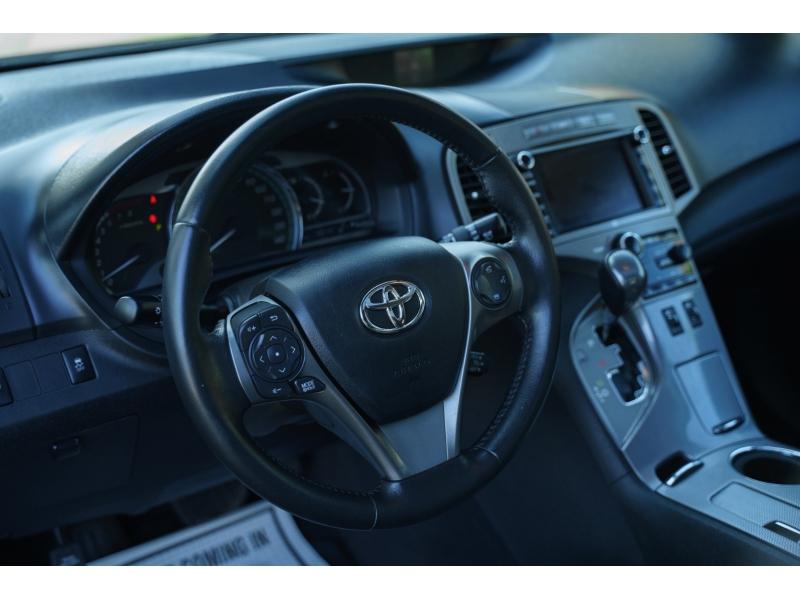 Toyota Venza 2013 price $17,490
