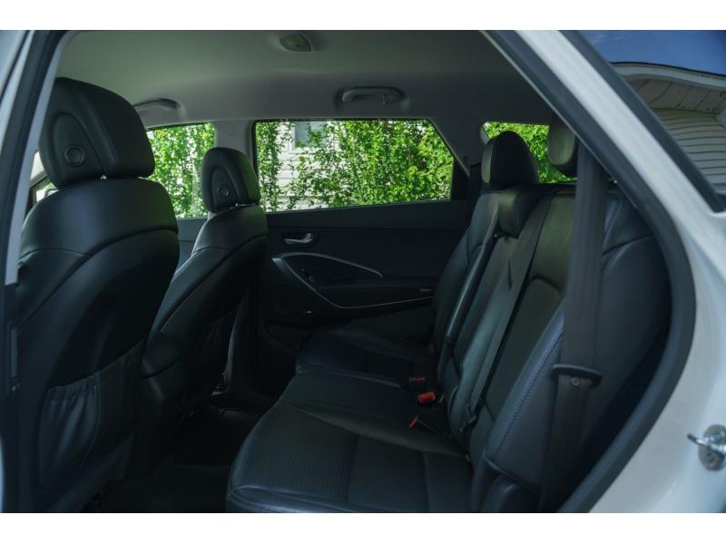 Hyundai Santa Fe 2013 price $17,990