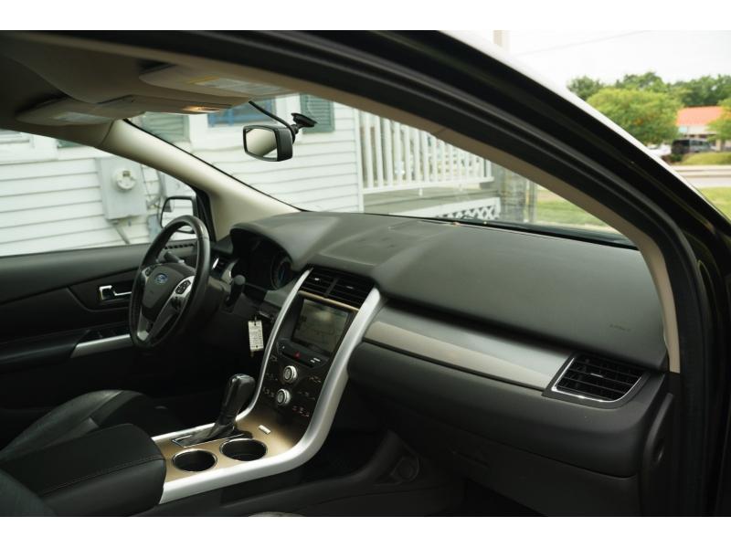 Ford Edge 2014 price $17,990