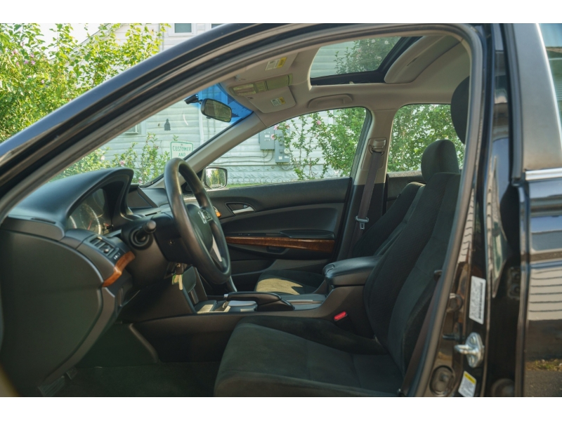 Honda Accord 2012 price $11,490