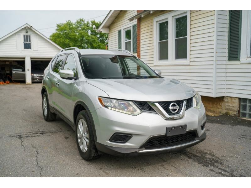 Nissan Rogue 2015 price $13,990