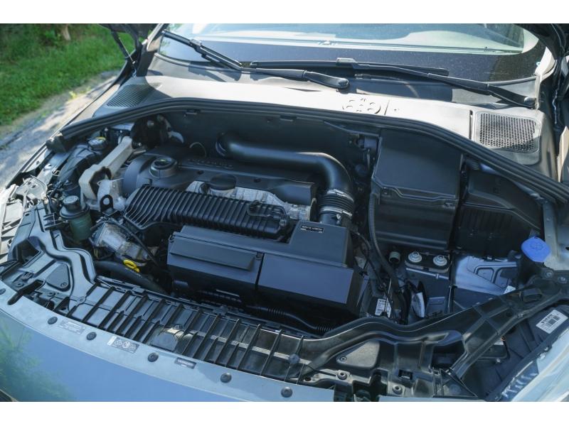 Volvo S60 Cross Country 2016 price $16,990