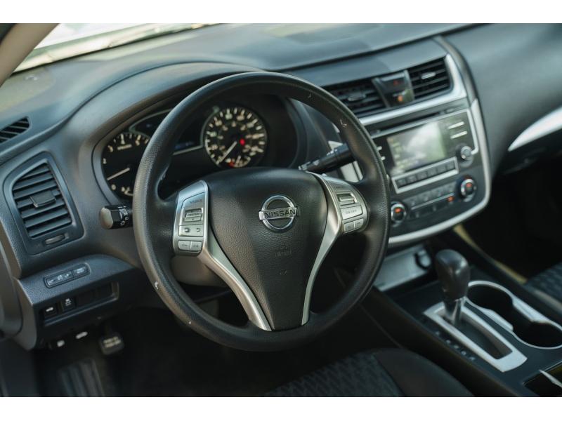 Nissan Altima 2017 price $12,690