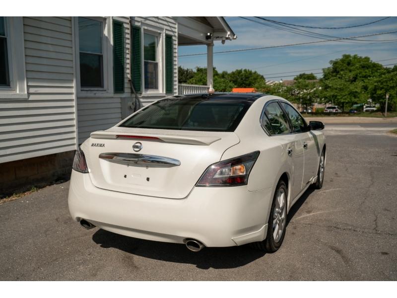 Nissan Maxima 2014 price $14,490
