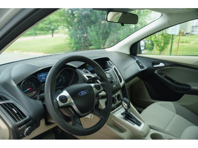 Ford Focus 2012 price $9,690