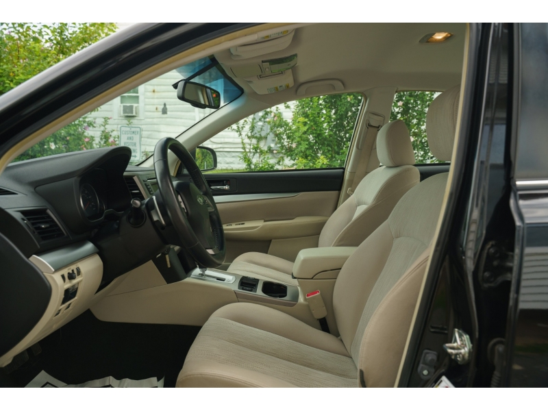 Subaru Legacy 2014 price $13,880