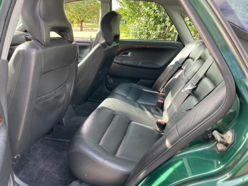 Volvo S 40 2000 price $4,490