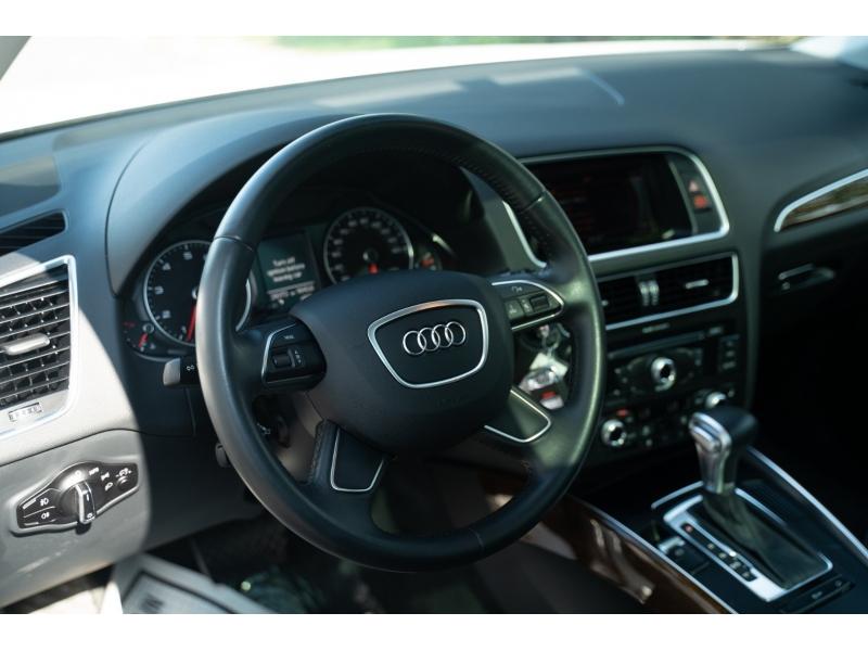 Audi Q5 2015 price $24,880