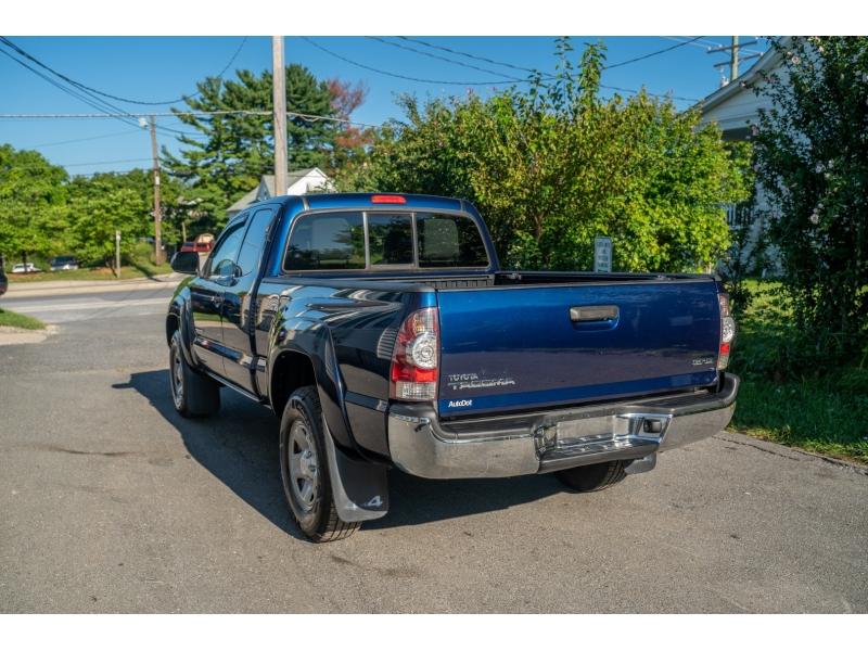 Toyota Tacoma 2013 price $21,990