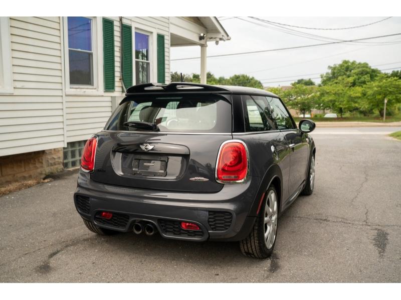 Mini Cooper Hardtop 2016 price $21,590