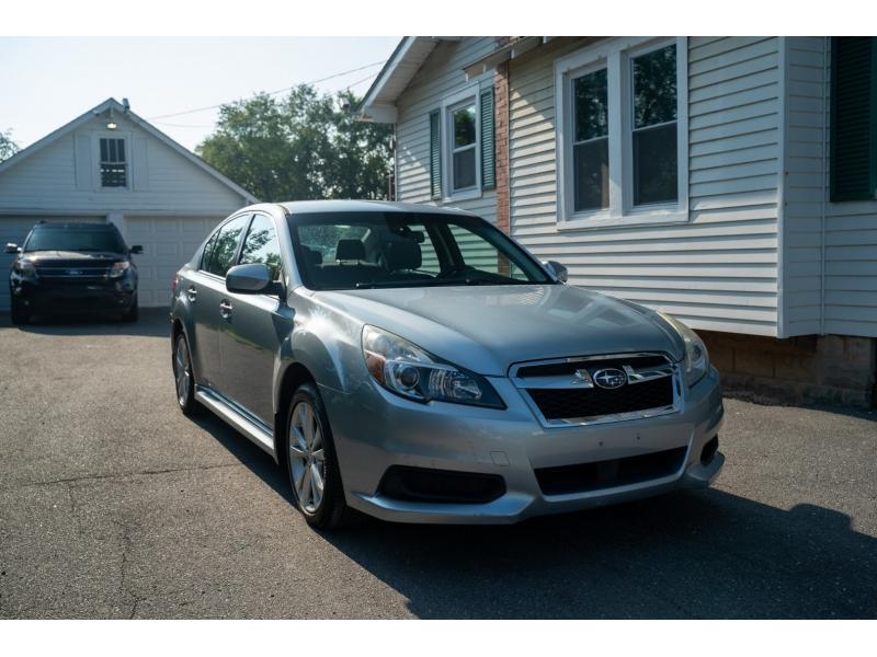 Subaru Legacy 2013 price $12,590