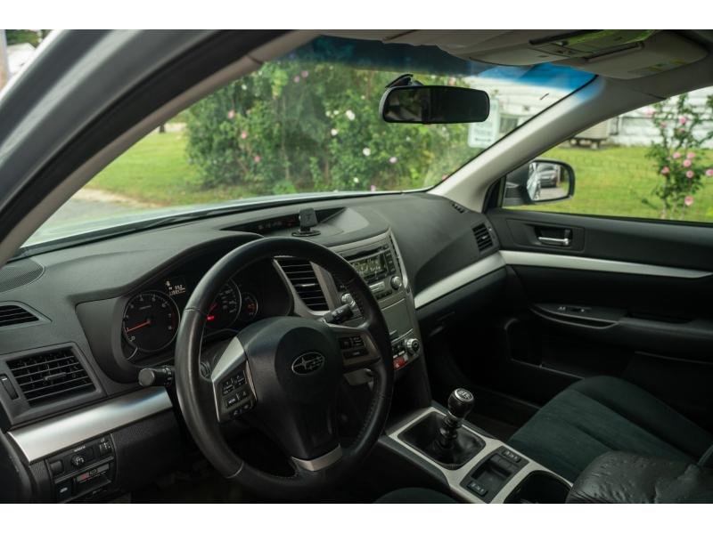Subaru Outback 2013 price $11,990