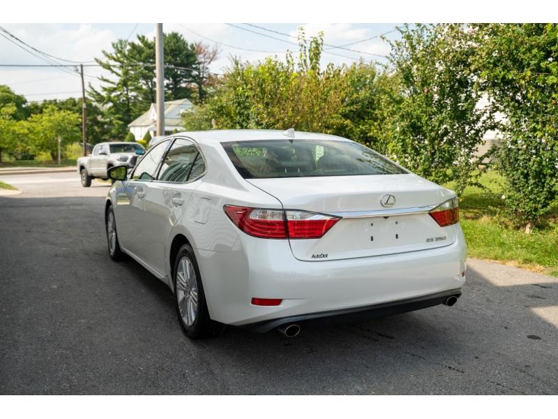Lexus ES 350 2015 price $21,880