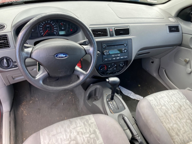 Ford Focus 2005 price $1,995