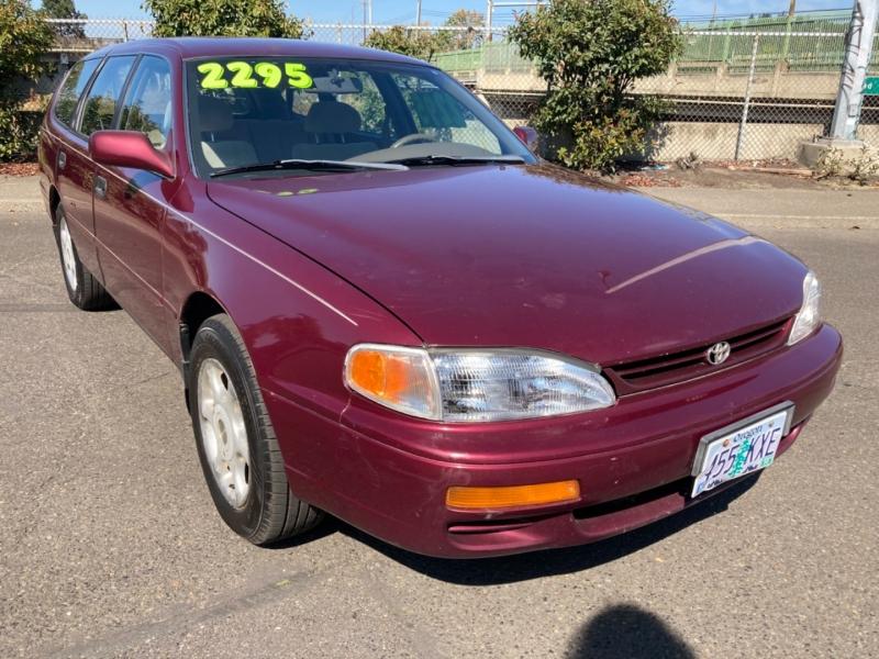 Toyota Camry 1996 price $2,995