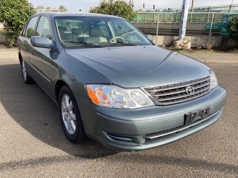 Toyota Avalon 2004 price $3,995