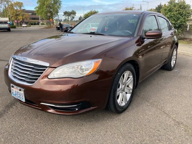 Chrysler 200-Series 2013 price $6,995