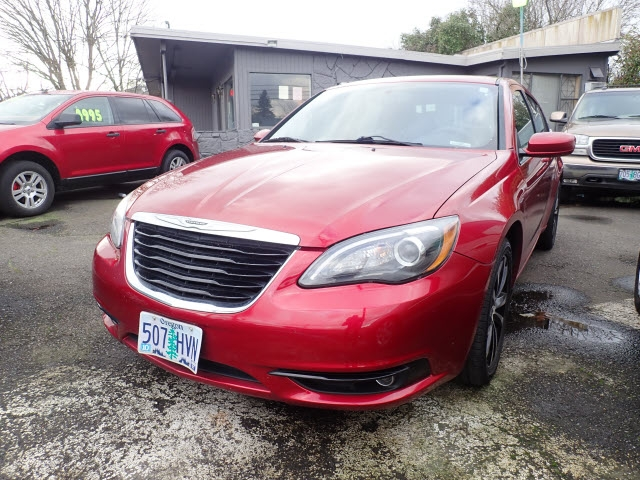 Chrysler 200 2012 price $5,895
