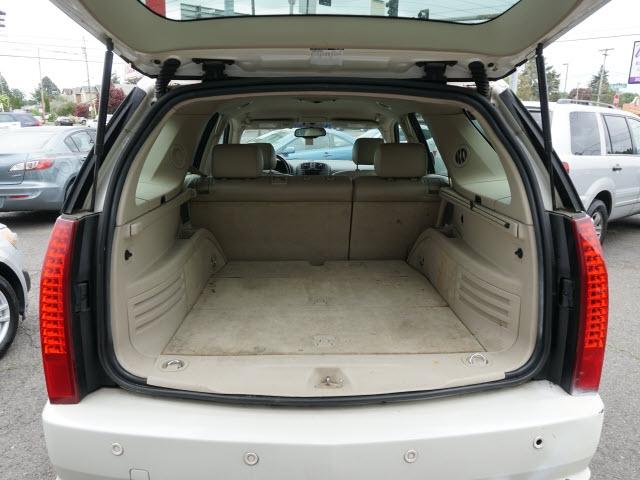 Cadillac SRX 2004 price $2,995