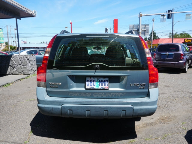 Volvo XC 2002 price $2,995