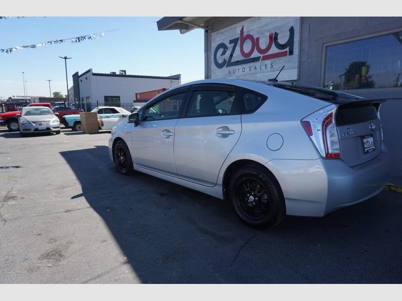 Toyota Prius 2015 price $9,995