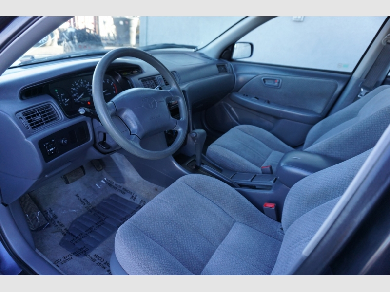 Toyota Camry 2000 price $3,995