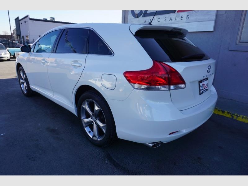 Toyota Venza 2011 price $13,995