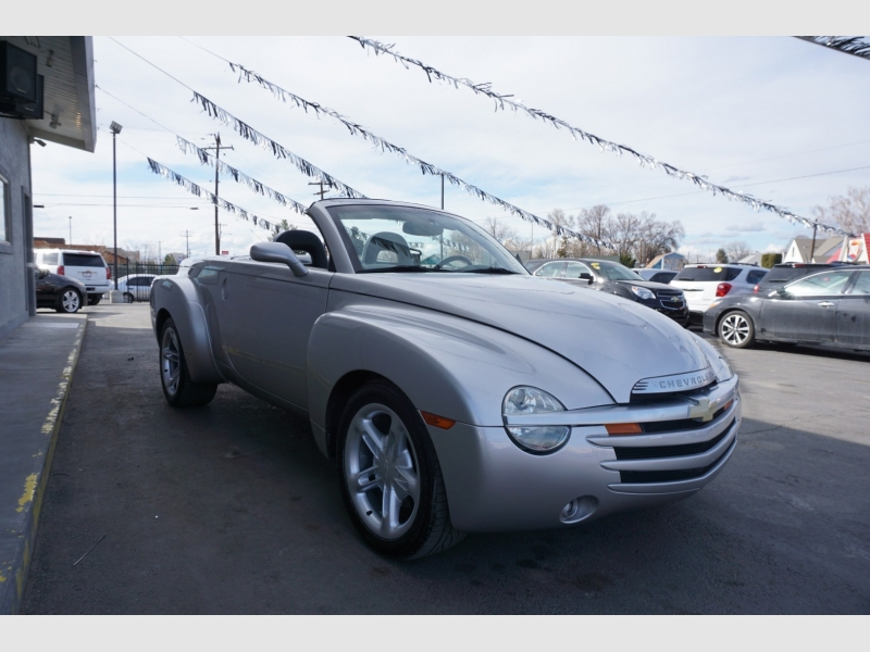 Chevrolet SSR 2005 price $14,995
