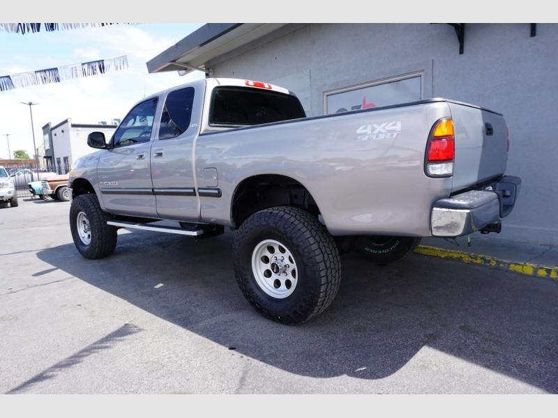 Toyota Tundra 2001 price $13,995