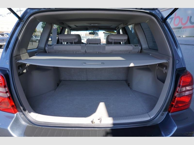Toyota Highlander 2002 price $7,495