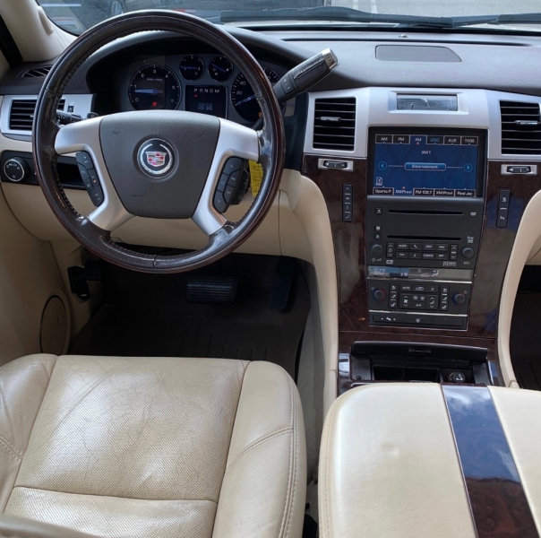 CADILLAC ESCALADE 2007 price $12,990