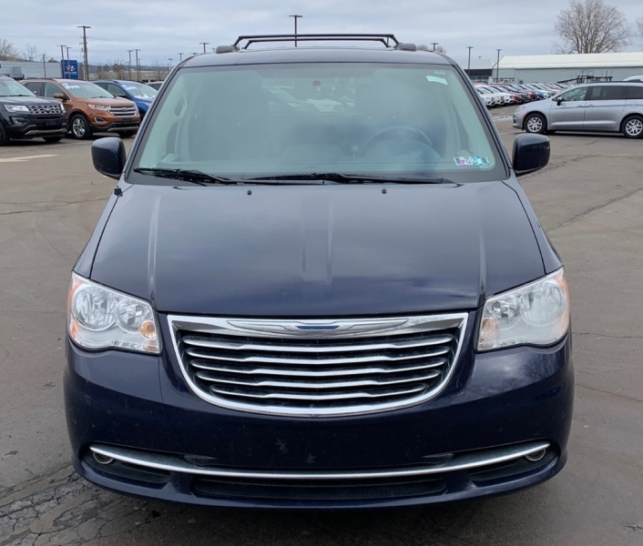CHRYSLER TOWN & COUNTRY 2015 price $9,999