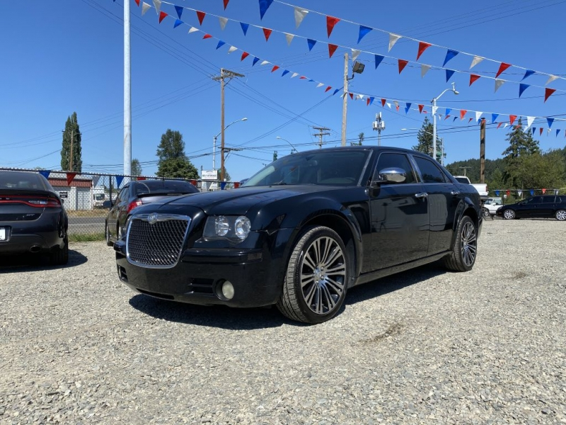 CHRYSLER 300 2010 price $9,495