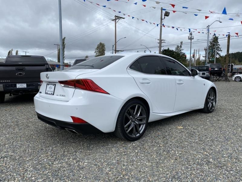 LEXUS IS 2018 price $35,995