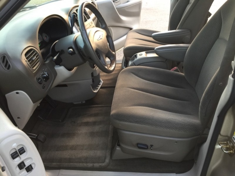 Chrysler Town & Country LWB 2006 price $3,499