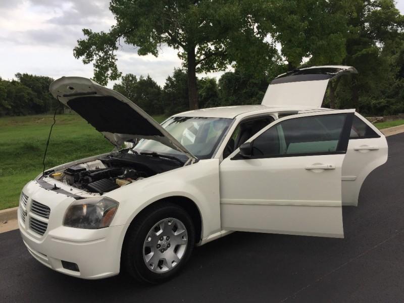 Dodge Magnum 2006 price $6,999