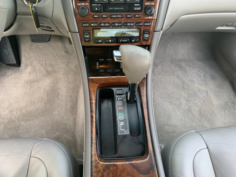 Toyota Avalon 2002 price $4,499
